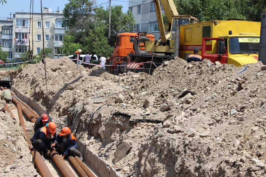 В районе домов № 89, 91 по проспекту Октябрьской революции заменят 500 метров теплотрассы