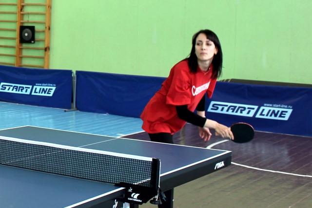 В соревнованиях по настольному теннису команда «Севтеплоэнерго» уступила более сильным соперникам
