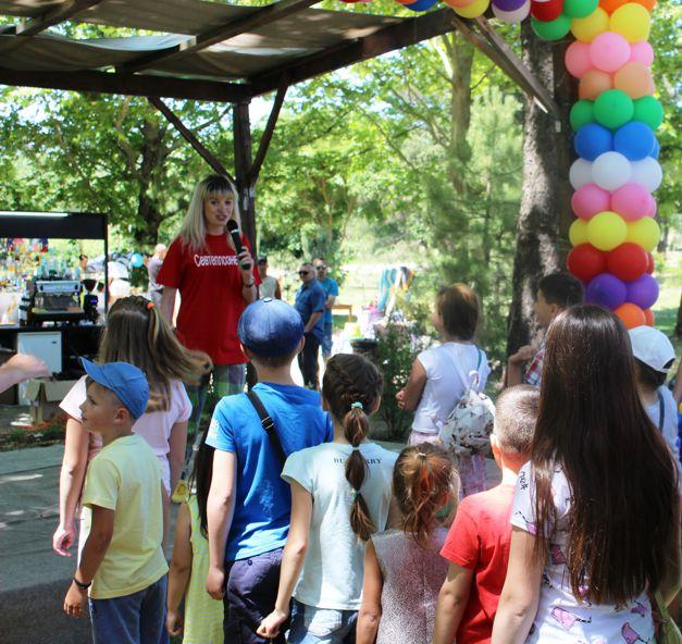 Молодежный профактив «Севтеплоэнерго» организовал для детей веселый праздник