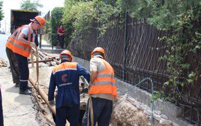 На улице Харьковской заменили поврежденный участок тепловой сети