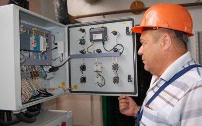 Специалисты «Севтеплоэнерго» проверяют готовность электрооборудования к работе в отопительном сезоне
