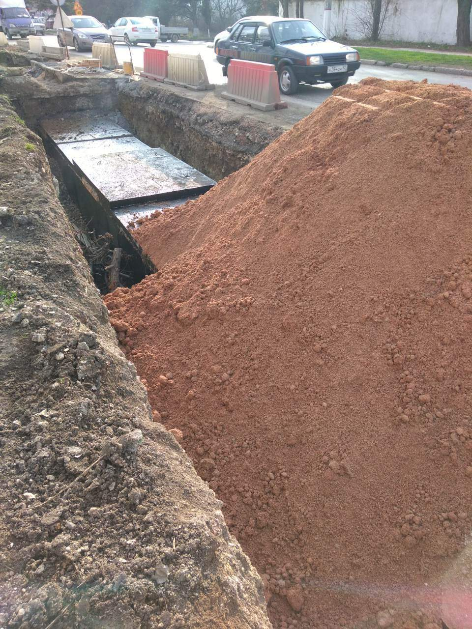 Выполнены основные работы по реконструкции магистральной теплотрассы по ул. Хрусталева