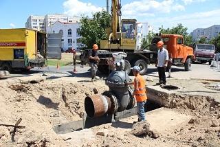 На теплотрассе в районе храма Святителя Николая Чудотворца тепловики провели объемные ремонтные работы