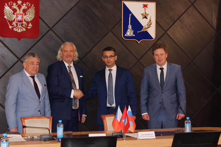 Руководство «Севтеплоэнерго» подписало с Чешской среднеазиатской торговой палатой Меморандум о сотрудничестве в области теплоэнергетики